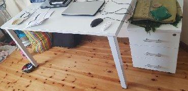 Ofis mebeli, metal karkaslı masa. Karkas Türkiyə istehalıdır. Karkas