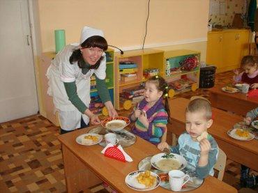Срочно (няня) помощник воспитателя требуется.Должностные обязанности в Бишкек