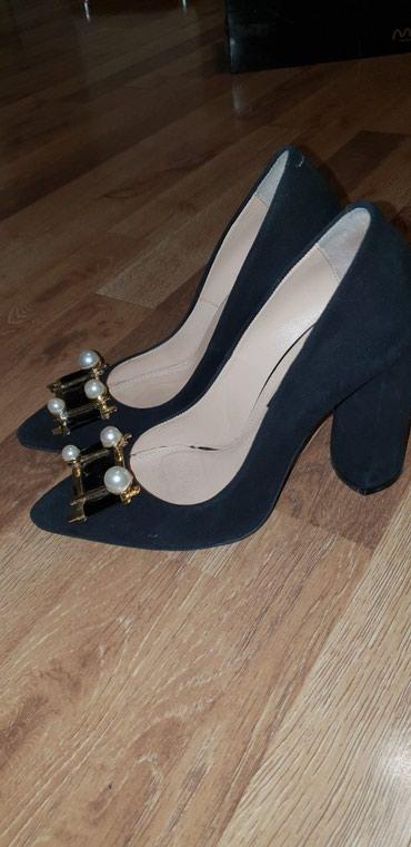 Очень красивые, удобные туфли, одела один раз на мероприятие, размер