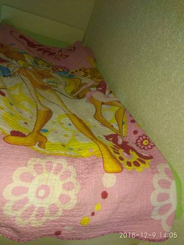 Продаю верхняя кровать без матраса