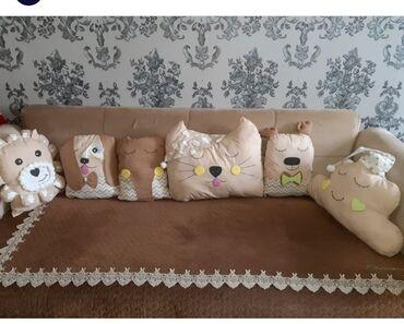 uşaq üçün mələk kostyumu - Azərbaycan: Sadəcə uşaq yatağının kənarlarına qoyulub.demək olarki yenidir. 5 ay