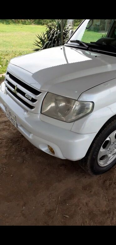 Mitsubishi 2000 2 l. 2000 | 300000 km