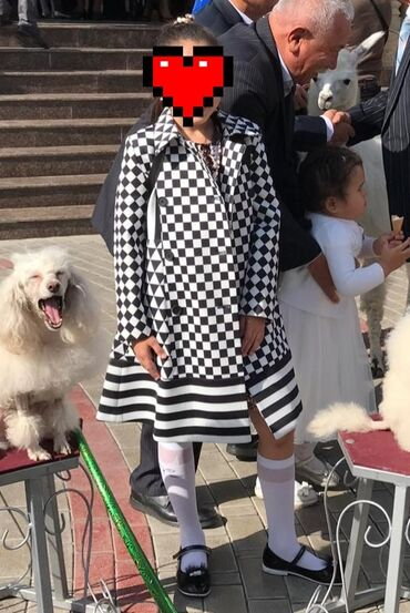 Продаю стильное пальто на возраст 8-10 лет. Идеальное состояние