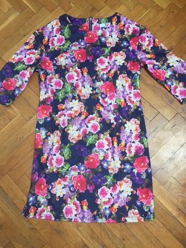 Cvetna haljinica, vel M, kupljena u inostanstvu, kao nova je, samo 2 - Zrenjanin