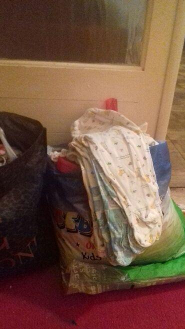 Вещи для новорожденных. Много. Шапки, штанишки, кофты, боди. Хорошего