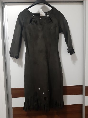 Haljina bolje stoji punijim osobama duzina materijal pa - Srbija: Nova, maslinasto zelena haljina, materijal velur, veličina S, jako
