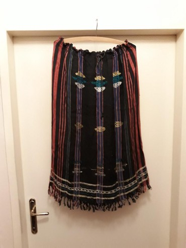 Suknja iz Indije,ručno tkane aplikacije,rese pri dnu suknje,kaiš - Belgrade