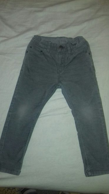 Sive somotne pantalone-kupljene u h&m-u.Velicina za dete 3-4 - Smederevo