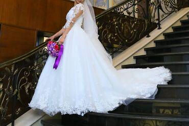 1808 объявлений: Срочно! Купи дизайнерское платье сшитое на заказ за цену проката