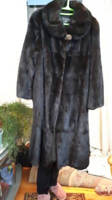 темно коричневое платье в Кыргызстан: Норковая шуба цельная, темно-коричневого цвета.Размер 52-54В идеальном