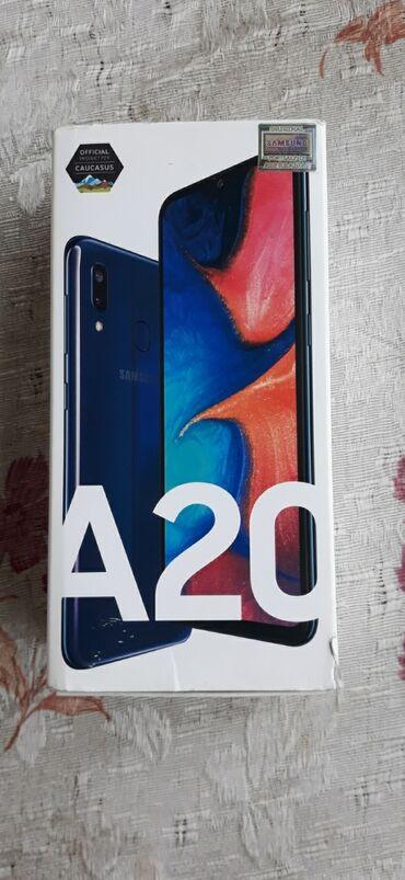 Новый Samsung A20 32 ГБ Черный