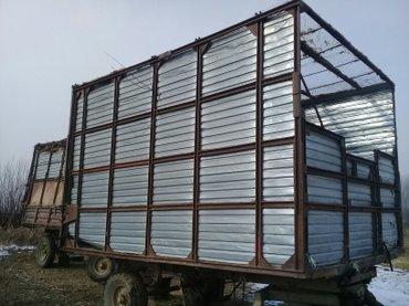 Фургон в Кызыл-Адыр