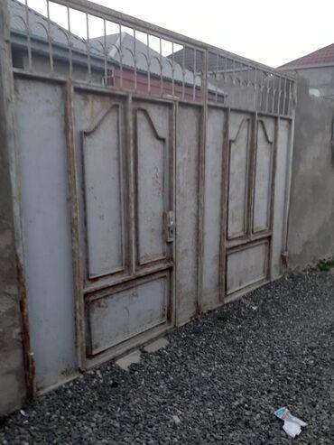 - Azərbaycan: Satış Ev 80 kv. m, 3 otaqlı