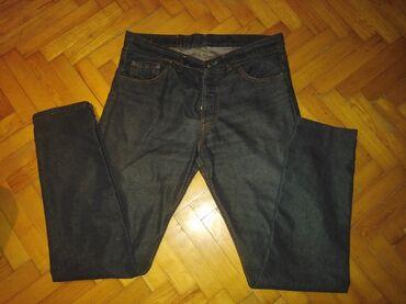 1374 oglasa: LEVIS 501 FARMERKE 33/36.BEZ MANE. Duzina pantalona 109cm,poluobim