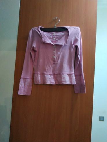 Детские блузки как новые малы стали за 15 Ман каждая в Bakı