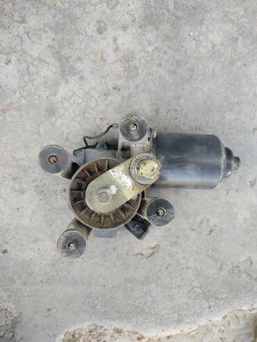 Моторчик механизма дворником на Тойота сюрф 185 кузов 2001 г