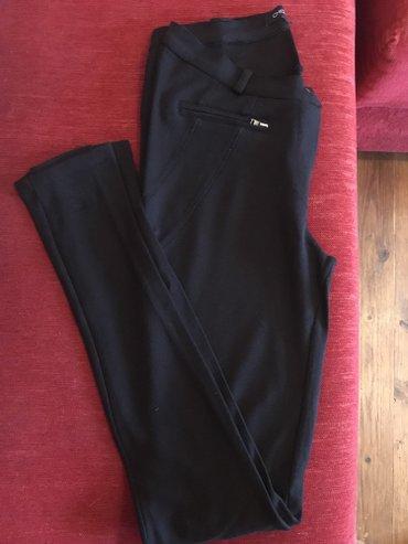 I pantalone broj - Srbija: Pantalone pise XS ali odgovaraju i za veci broj, rastegljive