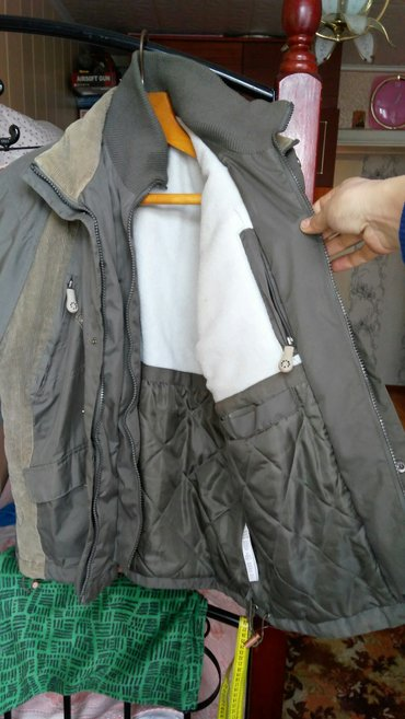 продаю куртки б.у на мальчика 10-11 лет  в Бишкек