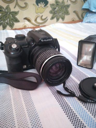 Продаю цифровой фотоаппарат fujifilm s9000 в Лебединовка
