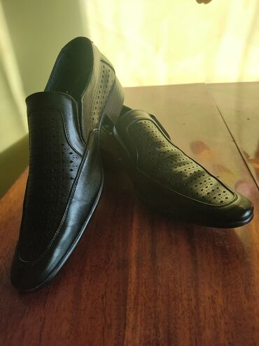 Обувь размер: 40 (ноп-новый)