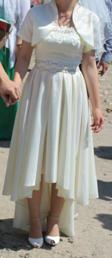 Продаю свадебное платье, размер 42-44 в Бишкек