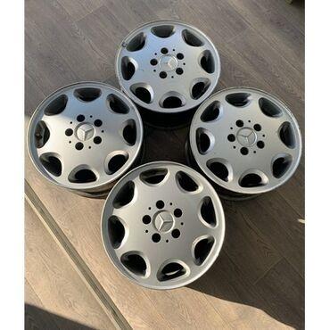 диски 19565 r15 в Кыргызстан: Продаю диски ромашка r15 5штук+болты в оригинале в идеальном состоянии