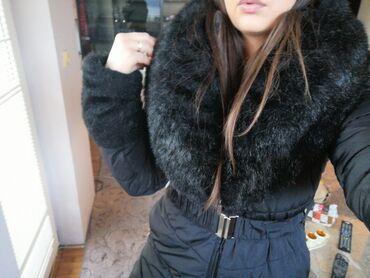 Prelepa jakna, m velicina, kao nova sa prebogatim krznom, moze i za L