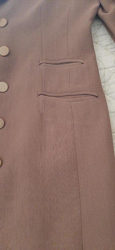 Ženska odeća | Leskovac: Na prodaju dva sakoa. jedan duzi. drugi malo kraci. ocuvani. bez