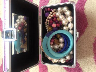 Jewellery Sets - Srbija: Kofer pun nakita
