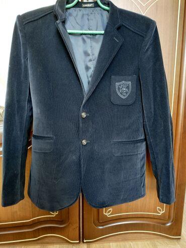 Пиджак на 14 лет, турция. В отличном состоянии. Ткань бархат