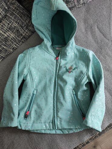 Dečije jakne i kaputi - Vrsac: Decija jakna maksimalno ocuvana 98 velicina