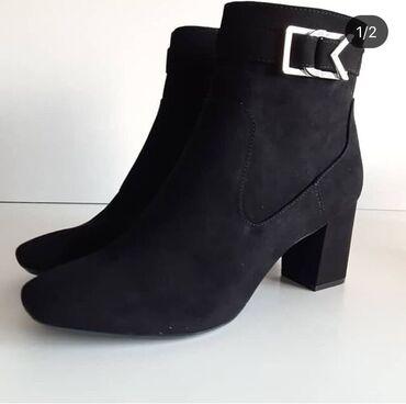 Женская обувь в Бишкек: Ботинки замшевые. Размер 38. Фирма Calvin Klein