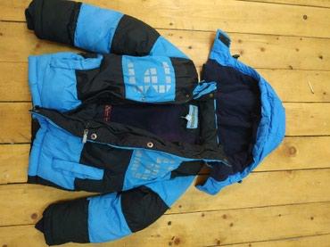 Продаю детскую зимнюю б/у  куртку в Бишкек