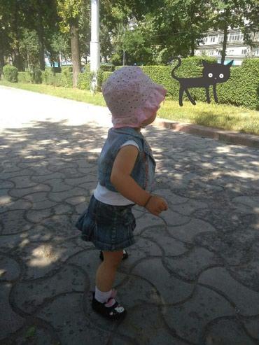 Платье + жилетка 300 с,  юбочка джинсовая 150с,  на девочку до 2 лет в Бишкек