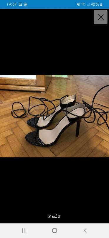 Ženska obuća   Vrbas: NOVE crne sandale na stiklu.Vrpca je veoma fleksibilna, tako da se