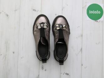 Женские туфли с декором из страз, р. 37 Нюансы: требуется чистка, на н