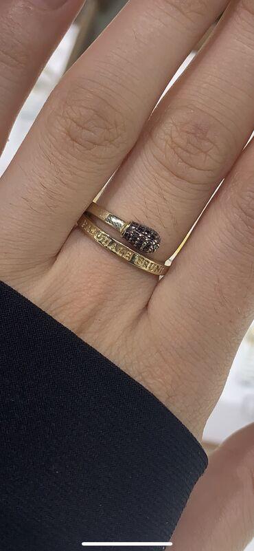 Нежное кольцо из желтого золото,  Размер 17,5-17  Состояние новых) Гра
