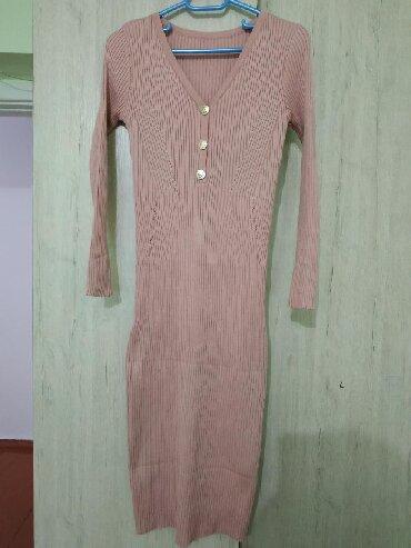Платье новое, на стройную девушку