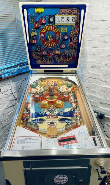 This PINBALL MACHINE, works great and has no faults, It was neatly use