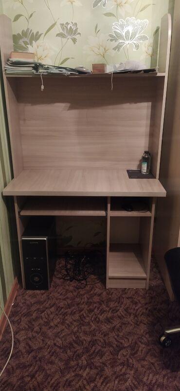 Срочно продаю письменный стол в хорошем состоянии за 4000сомов