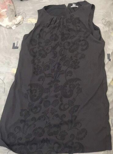 H&M svilena haljina sa postavom nosena jednom