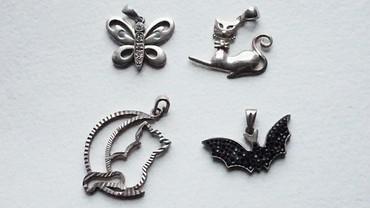 kulonlar - Azərbaycan: Gümüş kulonlar. Hərəsi 5 azn. Серебряные кулоны. Каждая по 5 azn