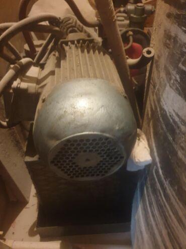Cetnici sever - Srbija: Hidraulicni motori -Sever-u ekstra stanju