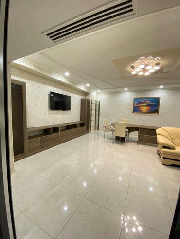 Продается квартира: 4 комнаты, 207 кв. м