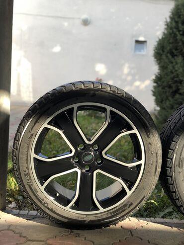 Шины и диски - Бренд: Kumho - Бишкек: Продаю диски с зимними шинами R20 275/45 на Range Rover Sport оригинал
