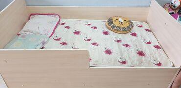 Детская кровать с матрасом 150 см на 80 см.Б/у. г. ОшСамовывоз