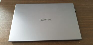 Продаю абсолютно новый ноутбук, был под личным пользованием пару с лиш