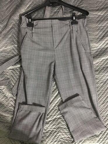 Zara pantalone sa kaisem S velicina