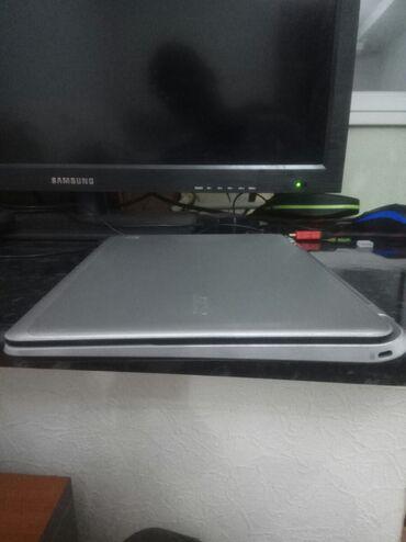 Ноутбук ACER с сенсорным экраном очень удобный легкий память HDD