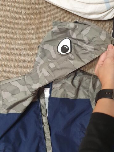 carters nabor в Кыргызстан: Куртка ветровка Carters США. Размер 2T